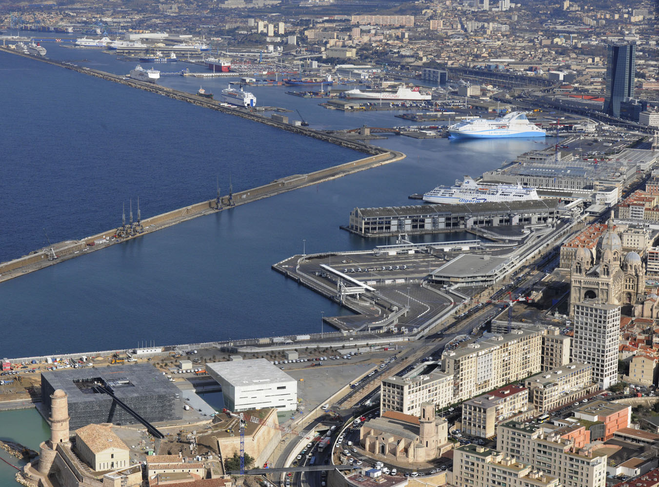 The port of Marseille-Fos in France is deserved by Marfret 6a7a9a9f9b181